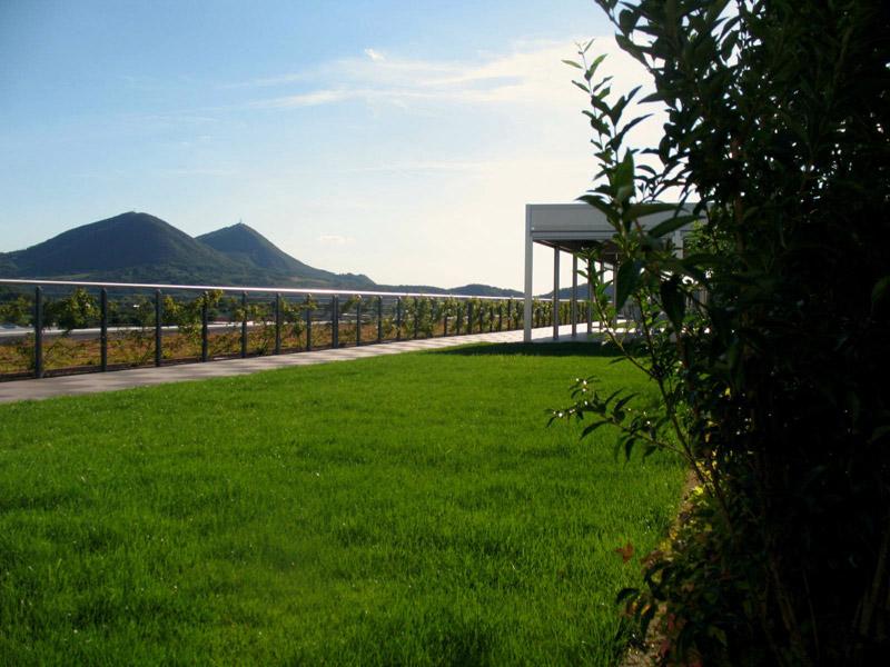 Polo spa presenta il giardino pensile realizzato sul nuovo - Giardino pensile ...