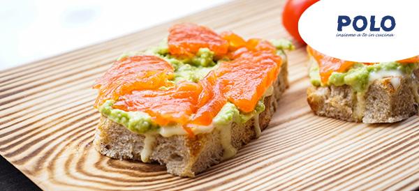 tartine-guacamole-salmone